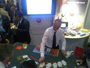 gente jugando blackjack
